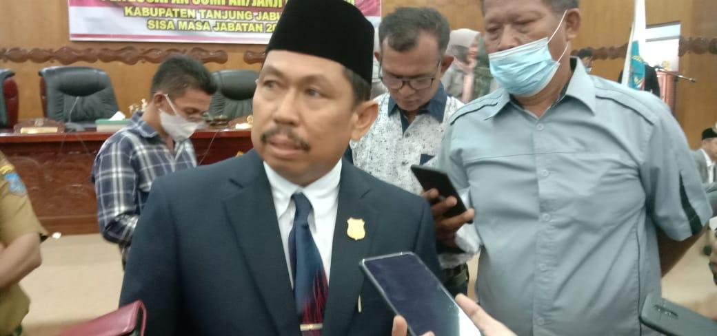 Ketua Dewan Perwakilan Rakyat Daerah atau DPRD Tanjabbar, kini telah memiliki ketua DPRD yang baru, H Abdullah SE, setelah di lantik sisa masa jabatan 2019-2024. Selasa (4/5/21).