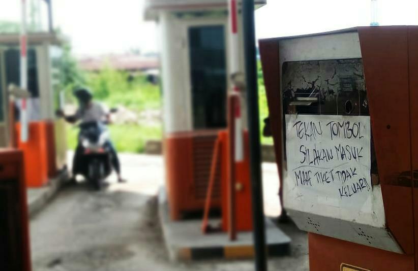 Selain tunggakan kontribusi 10,5 Milliar ke Pemprov Jambi, tata kelola dan retribusi parkir di Pasar Anggo Duo juga jadi sorotan publik.