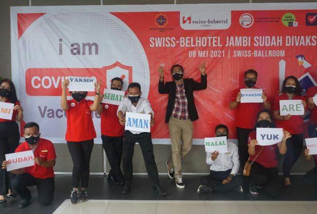 Memberikan produk dan pelayanan terbaik, aman, serta Hygienis untuk kenyamanan konsumen merupakan prioritas. Untuk itu, Karyawan Swiss-Belhotel Jambi hari ini di vaksin.