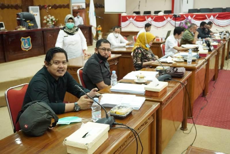 Manajemen Rumah Sakit Umum Daerah jadi sorotan. Usai sidak bupati, Komisi II DPRD Tanjabbar turut menyoroti RSUD Daud Arif Kuala Tungkal.