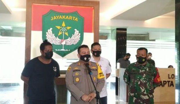 Aksi nekat Debt Collector yang hadang anggota TNI waktu lalu, berbuntut panjang. 11 orang tukang tagih tersebut, terancam hukuman 9 tahun penjara.