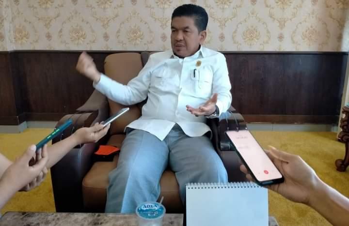 Dewan Tunggu Kesiapan Eksekutif , Untuk Pembahasan APBD-P kabupaten Sarolangun. Hal ini di sampaikan Ketua DPRD Sarolangun, Tontawi Jauhari pada sejumlah awak media, Rabu (16/06/2021).
