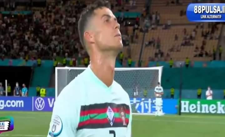 Tak mampu taklukkan Belgia dalam laga pada Senin (28/06) dinihari tadi, sang juara bertahan Portugal harus kandas di babak 16 besar EURO 2020.