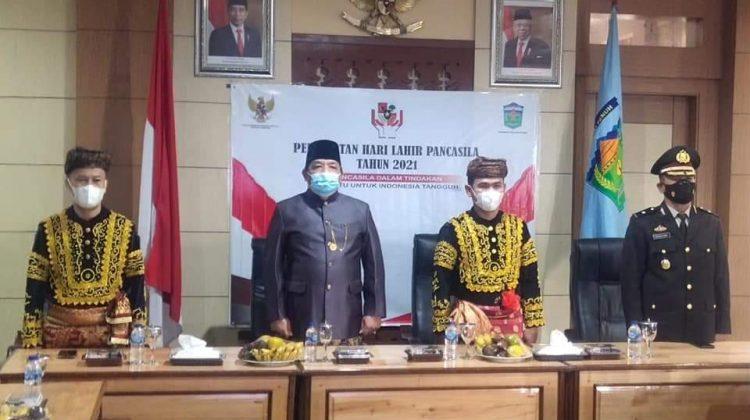 Ketua Dewan Perwakilan Rakyat Daerah atau DPRD Kota Sungai Penuh, H Fajran menghadiri peringatan hari lahir Pancasila, Selasa (1/06).