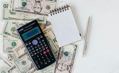 Para milenial, Apakah ada seseorang yang kesulitan dalam mengelola keuangan? Jika iya, maka Anda membutuhkan yang namanya tips kelola keuangan khusus untuk anak muda yang aktif. Ini dia 5 Tips Kelola Keuangan Ala Milenial.