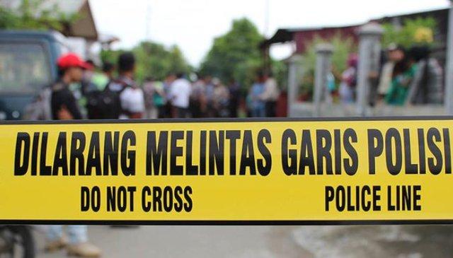 Diduga tak terima jargonnya kalah di Pilkades serentak Garut, sekelompok massa pendukung Cakades, rusak kantor desa hingga luluh lantah. Kejadian ini pun, bikin heboh warga setempat.