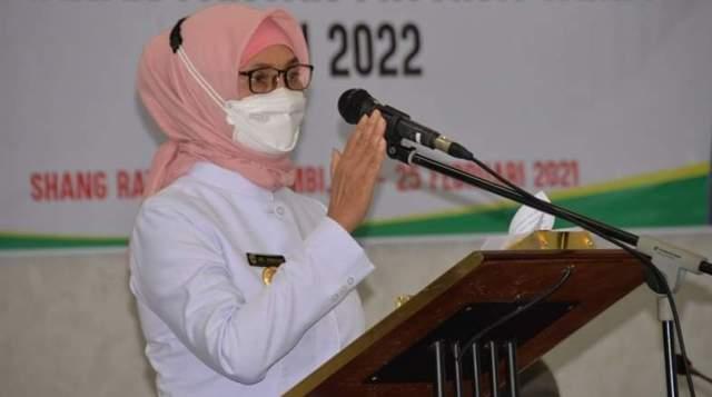 Pj Gubernur Jambi Dr Hari Nur Cahya Murni, instruksikan seluruh Kepala Daerah se Provinsi Jambi, terapkan atau lakukan gerakan serentak vaksinasi lansia, pada tanggal 8 dan 9 Juni 2021 mendatang.