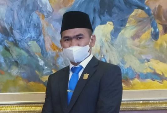 Untuk mengantisipasi penyebaran covid-19 di Kota Sungai Penuh, Ketua DPRD Kota Sungai Penuh, Fajran imbau Satgas awasi pasien Isolasi Mandiri di Rumah.
