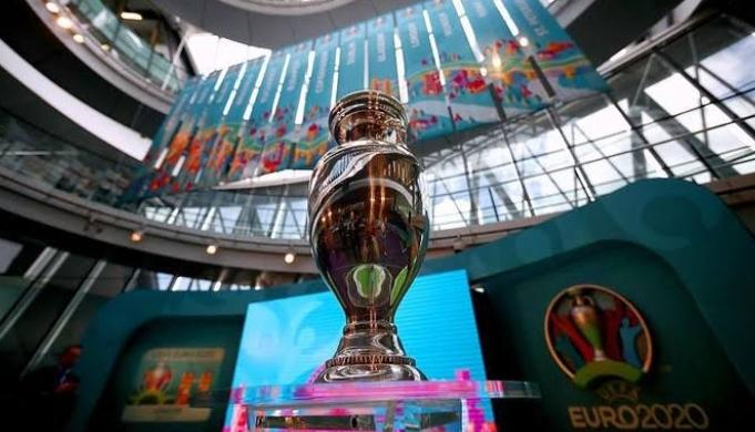 Jelang laga Semifinal EURO 2020 ada 7 dan 8 Juli 2021 nanti, Spanyol vs Inggris diprediksikan bakal masuk final EURO 2020 oleh rumah jadi. Apakah benar? Bagaimana menurutmu?