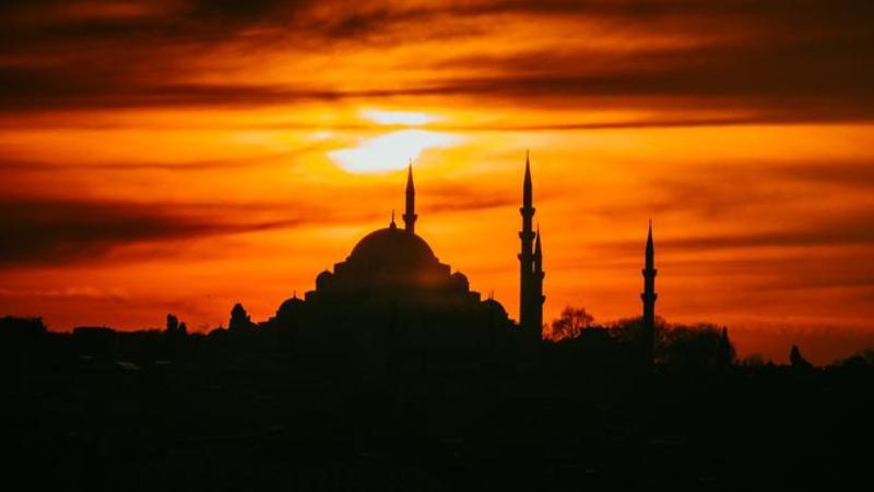 Hari tasyrik biasanya jatuh pada tanggal 11, 12, dan 13 bulan Dzulhijjah. Lalu apa itu Hari Tasyrik dan makna lainnya?