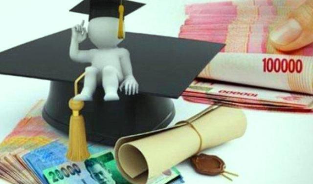 Kementerian Agama (Kemenag) kembali memberikan keringanan Uang Kuliah Tunggal atau UKT, bagi mahasiswa Perguruan Tinggi Keagamaan Negeri (PTKN) Tahun Akademik 2021/2022.