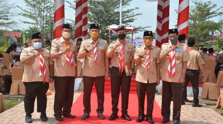 Pada peringatan hari jadi pramuka ke-60 TAHUN 2021, Bupati Kabupaten Fadhil Arief dan Wakil Bupati (Wabup) Batanghari Bakhtiar, menerima penghargaan pramuka dari Kwartir Daerah Gerakan Pramuka Jambi.