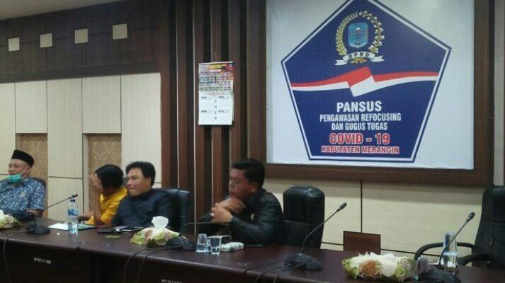 Panitia Khusus (PANSUS) DPRD Kabupaten Merangin, Senin (23/8/21) kembali mengelar rapat. Sejumlah hasil rapat internal pansus DPRD Merangin masih rahasia.