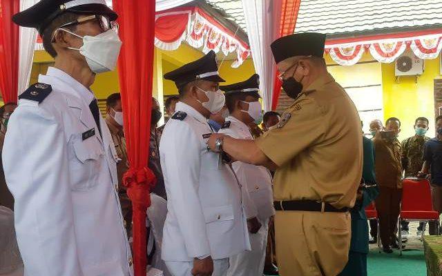 Bupati Sarolangun Drs H Cek Endra, melantik tiga orang Kepala Desa (Kades) hasil Pilkades di Kecamatan Cermin Nan Gedang (CNG). Prosesi ini merupakan yang terakhir, dari hasil Pilkades serentak kemarin.