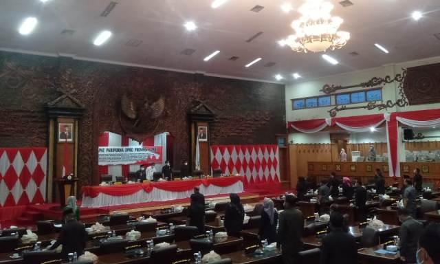 Guna menyusun Rancangan Peraturan Daerah (Ranperda) Inisiatif, DPRD Provinsi Jambi kembali bentuk 2 Panitia Khusus. Lantas, apa saja Pansus tersebut?