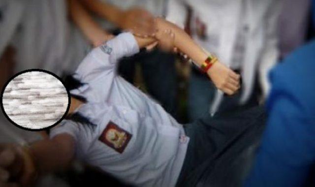 Nasib malang tak dapat di elak para siswi SMA ini, mereka di duga digenjot pejabat dan polisi di papua, saat jalan-jalan ke Jakarta. Kini korban dibawa ke psikolog.