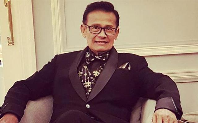 """Kabar Duka datang dari keluarga Koes Hendratmo. Host acara musik """"Berpacu Dalam Melodi"""", Koes Hendratmo meninggal dunia, Selasa (7/9/2021)."""