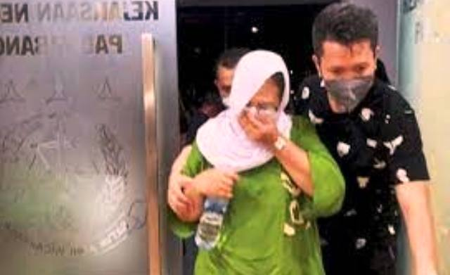 Seorang Kepsek di Palembang akhirnya dibekuk Tim Kejagung, setelah jadi buron selama setahun. Ia sempat jadi DPO kasus dugaan korupsi dana BOS.