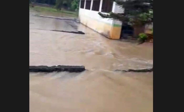 UPTD BBI Merangin Kebanjiran, Benih dan Indukan Ikan Terbawa Arus