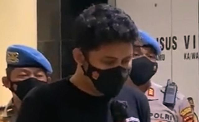Buntut kasus smackdown mahasiswa di Tangerang beberapa waktu lalu terus bergulir, oknum polisi berpangkat brigadier itu kini sudah ditahan. Bahkan, ia terancam di kenakan pasal berlapis.